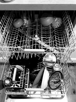 洗碗机 解放双手 时间浪费在洗碗上