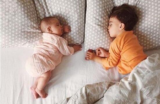 如何完美解决宝宝睡觉踢被子的难题?