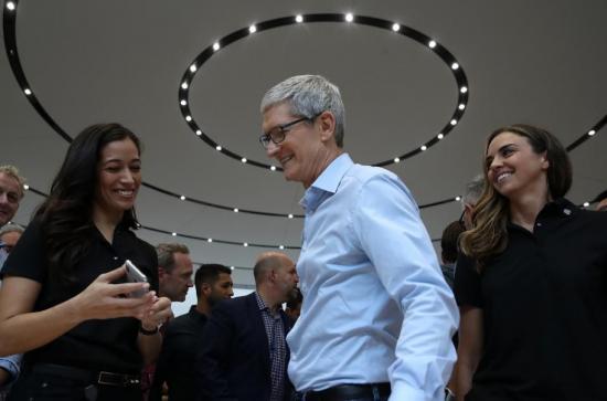 外媒:在苹果带领下,智能手机行业为何失去创新
