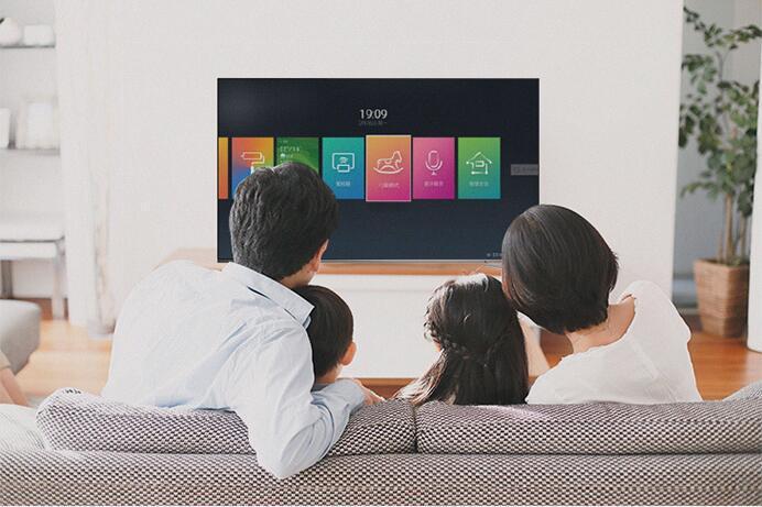 全面屏手机烂大街,你见过全面屏电视吗?