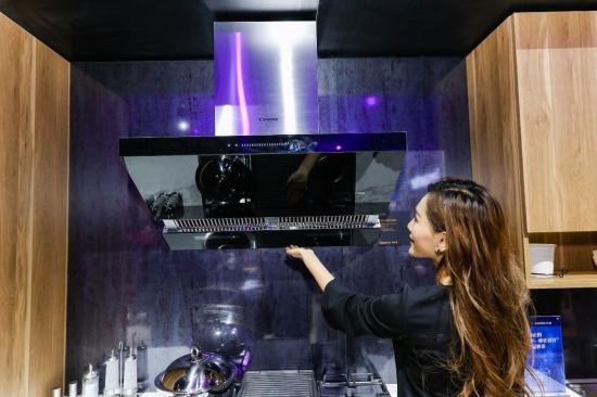 卡萨帝风动能油烟机 全球首创双增压科技