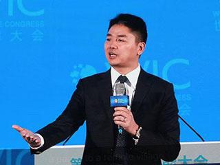 刘强东:未来机器人完全替代人类进行物流配送