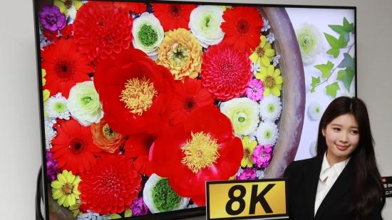 夏普8K电视(图片来自日经新闻网站)