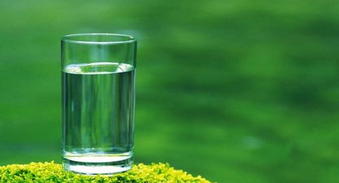 多喝水很重要 夏季喝水却另有一番说法