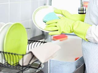 享受饭后清闲时光 安德洗碗机让您惬意无限