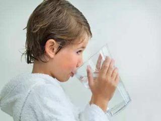 享受饮水新体验 选对净水机很重要