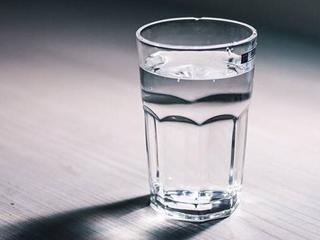 揭开几十年来关于喝水的真相 95%的人都存在误区