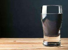 饮水机里竟这么脏?每毫升水10万细菌!