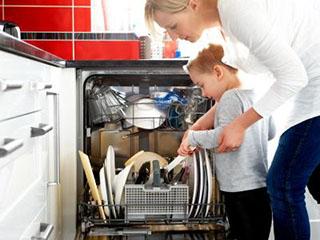 """洗碗机去年卖了近百万台 """"懒人""""家电疯卖"""