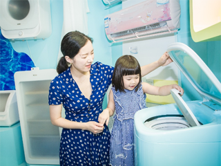 海尔mini蒸汽烫烫洗洗衣机亮相2018CBME中国孕婴童展