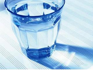 为何有的净水器需要用电 而有的不要?
