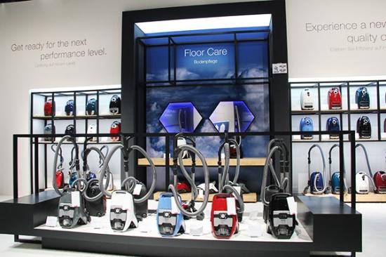 兼顾多种使用需求 美诺吸尘器亮相IFA2018