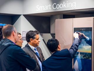 冰箱界的特斯拉 海信32吋触控屏智能冰箱惊艳IFA