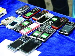 家中9部旧手机保存数年成鸡肋!