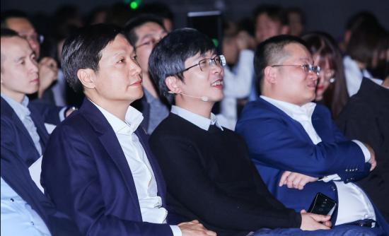小米董事长雷军为黑鲨科技与优点科技新品发布站台