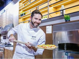 美国GE Appliances在CIIE展世界最快披萨炉:2分钟速烤