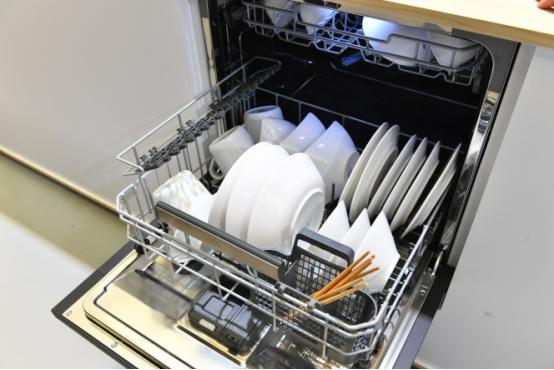 德系AEG洗碗机来了!大容量不弯腰,冬天洗碗不再愁!