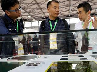 """掘芯!中国企业开始半导体""""自力更生""""之路"""