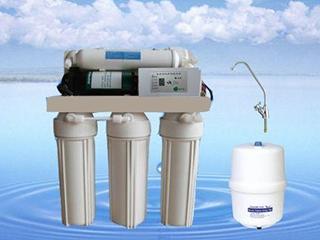 """买一台净水器:做孩子饮水健康的""""守护神"""""""