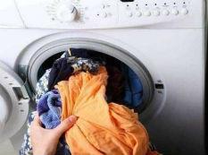 """用洗衣机时3个""""错误""""不纠正衣服洗不净"""