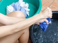 """别让洗衣机变成""""脏衣机""""要每月清洗一次"""