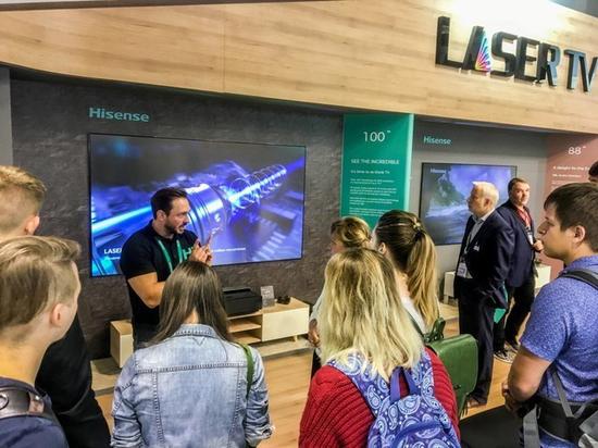 2018德国柏林IFA展上,海信激光电视吸引了众多关注。
