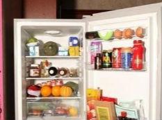 冰箱有个小机关只需倒点它,解决结冰问题