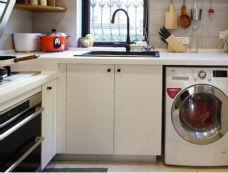 洗衣机没有地方放?学英国人放在厨房里
