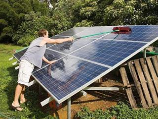 太阳能电池板能用水洗吗?脏了应该如何清洁?