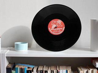 这事成了!国外小哥把黑胶唱片做成蓝牙音箱