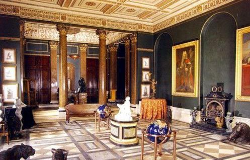戴森创始人成英国首富 豪宅无数土地比女王还多