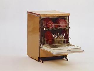 生活智一招:洗碗机也有危险,使用需谨慎