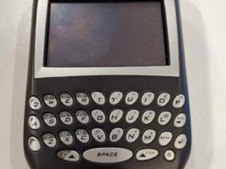 消息人士:锤子新手机下半年推出 或搭配全键盘