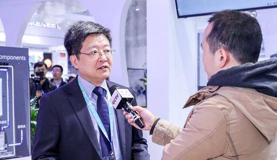 A.O.史密斯集团公司高级副总裁兼中国投资公司总裁丁威接受媒体采访