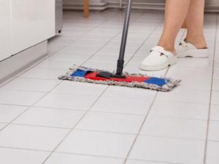 符合家庭使用习惯,能扫能拖势成扫地机器人标配