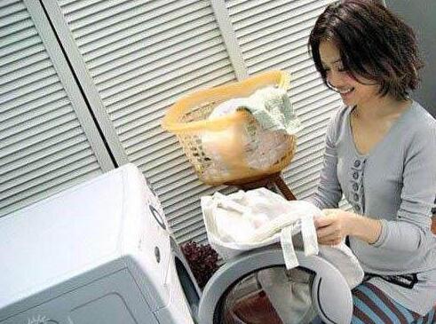 """洗衣机只用不洗细菌多 用""""它""""泡一泡干净如新"""