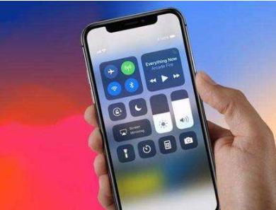 """花万元购买苹果手机成""""砖头"""",售后拒绝维修:非法改装"""
