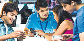 三星在印度蚕食中国手机优势:线上销量欲翻番