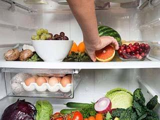 至少每仨月要清洁一次冰箱