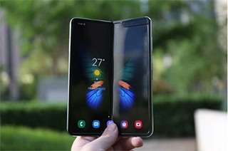 三星折叠屏手机国行版拿入网许可证即将上市:售价或13000元