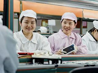 贸易战下,苹果计划摆脱中国制造