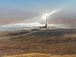 将我国最大沙漠装上太阳能电池板,够全球人用电吗?