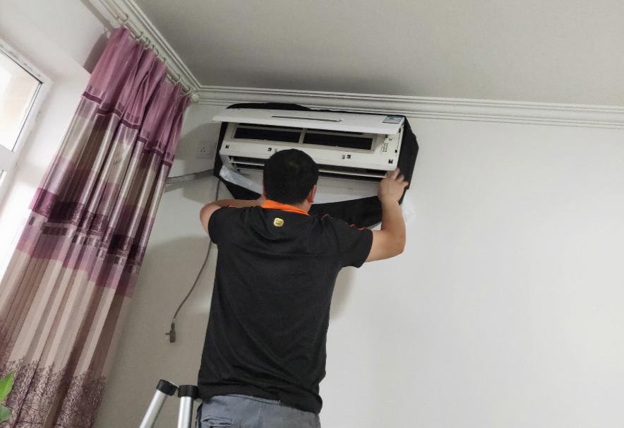 细心专业获消费者点赞 述说国美管家空调清洗服务故事