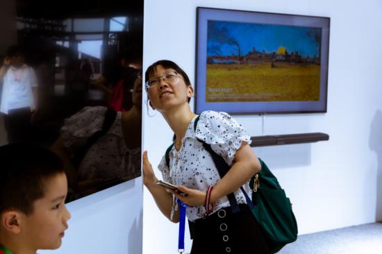 小米UDE新闻稿:UDE最具人气AloT展馆:小米壁画电视C位亮相,操控全屋互联725
