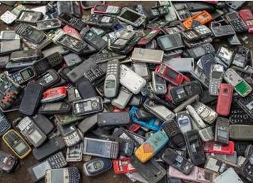 旧手机回收的模式实际上正在造成大规模污染