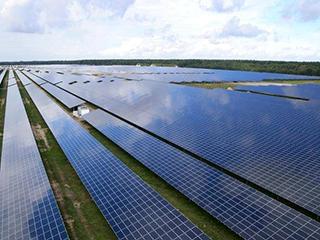中国太阳能发电比煤炭更便宜,外国网友:如果到晚上,还怎么用?