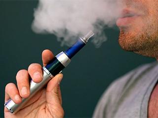 多人吸电子烟死亡 美展开大范围调查