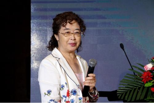 北京服装学院教授陈丽华