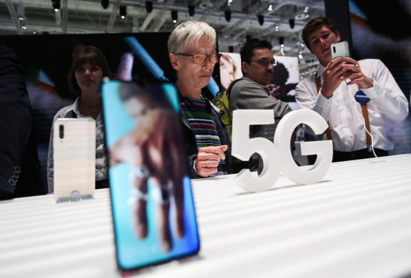 """三星欲借5G手机""""翻盘""""中国市场"""