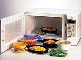 """微波炉为什么会让食物""""内心刚硬""""?"""